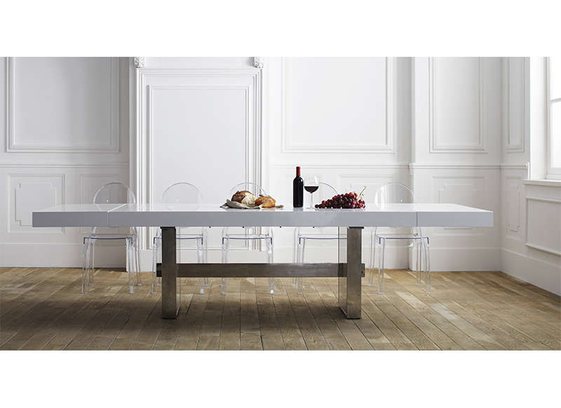 Table extensible luxe laqu e achatdesign for Table de salle a manger 16 personnes
