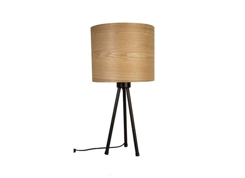 Lampe de chevet en bois achatdesign for Lampe de salon design sur pied