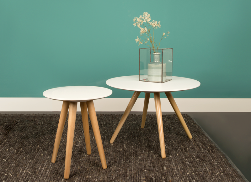 Table basse ronde pied en bois beta achatdesign - Table basse blanche pied bois ...