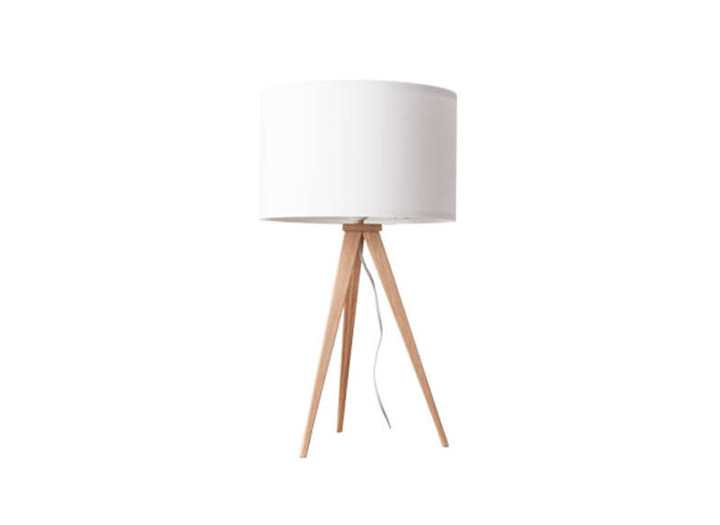 lampe avec pied bois style scandinave tripod w achatdesign. Black Bedroom Furniture Sets. Home Design Ideas