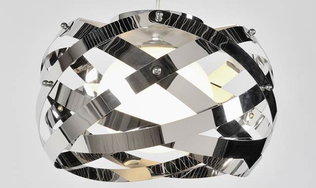 suspension-annees-70-chrome-capucine-laurie-lumiere