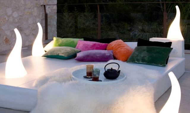 ambiance-lounge-jardin-laurie-lumiere